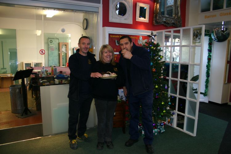 Yvonne, Redruth Glass Centre Manager and her team