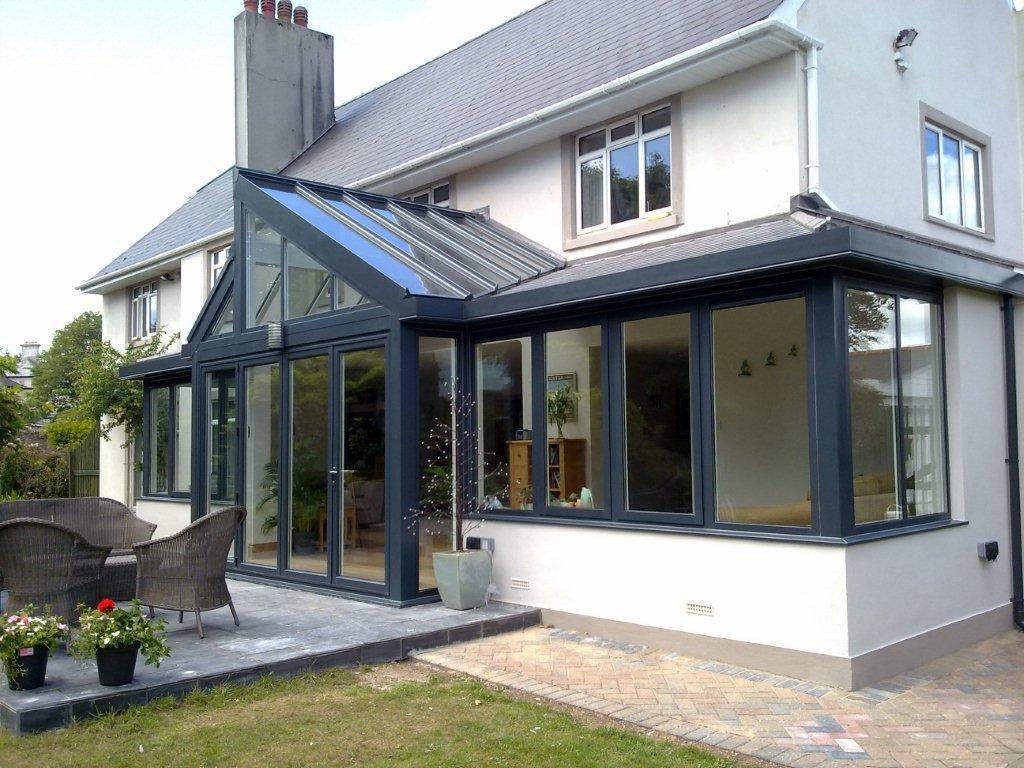 house with glass extension