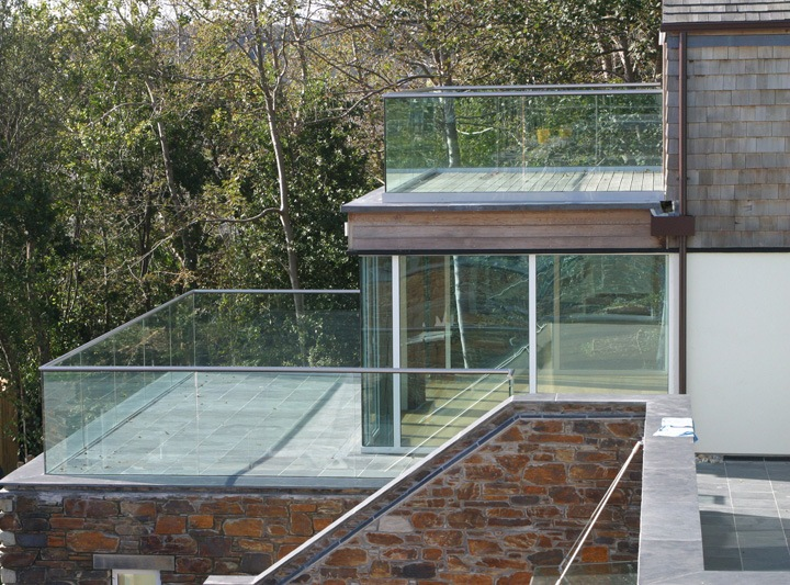balcony glass balustrades