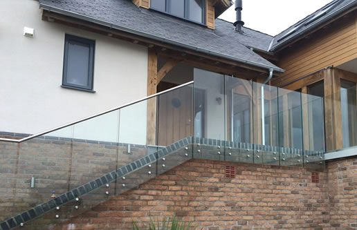 glass balustrading entrance stairs