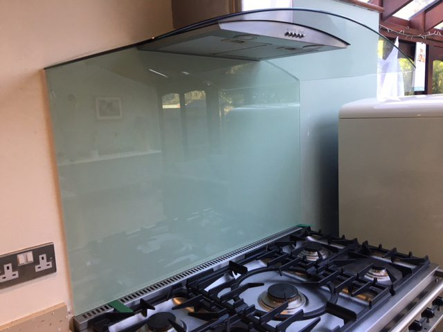 glass splashback and stovetop