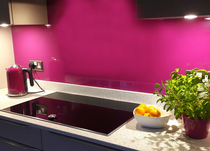 stovetop pink splashback glass