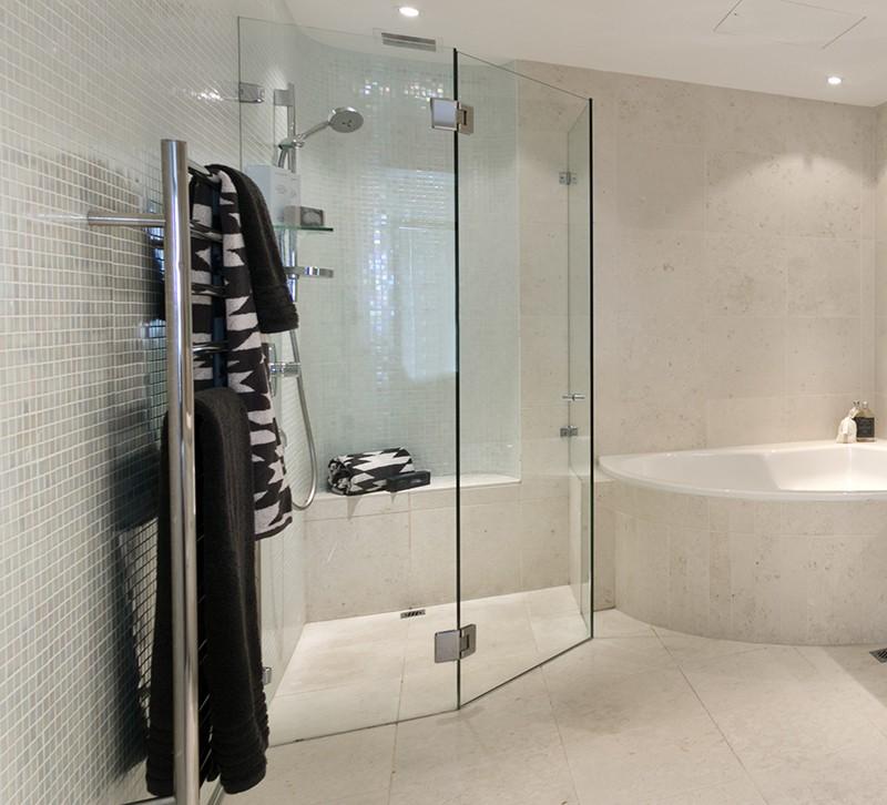 corner shower and bath
