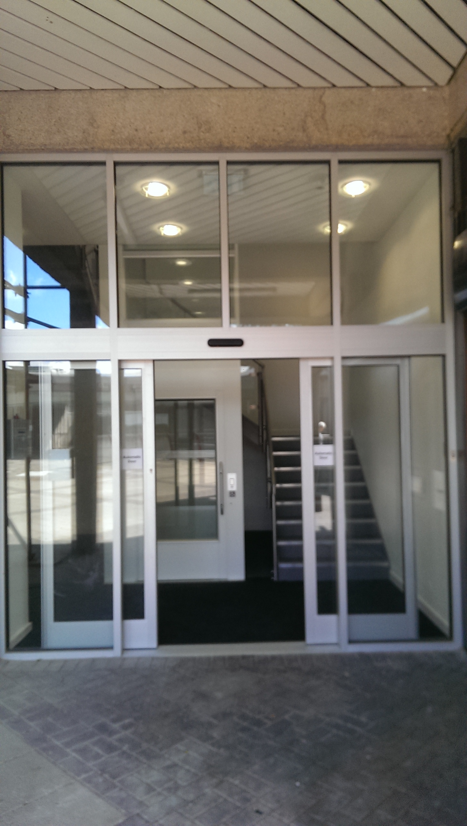 Automatic aluminium Door