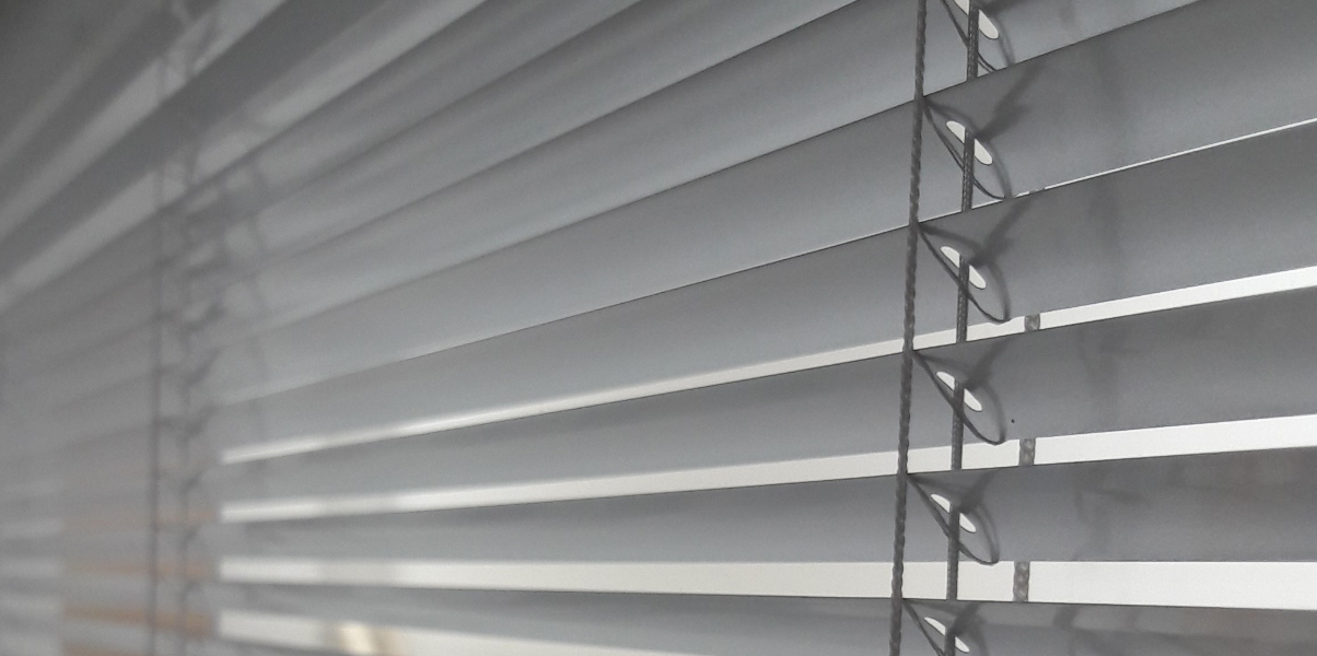 Integral Between Glass Blinds