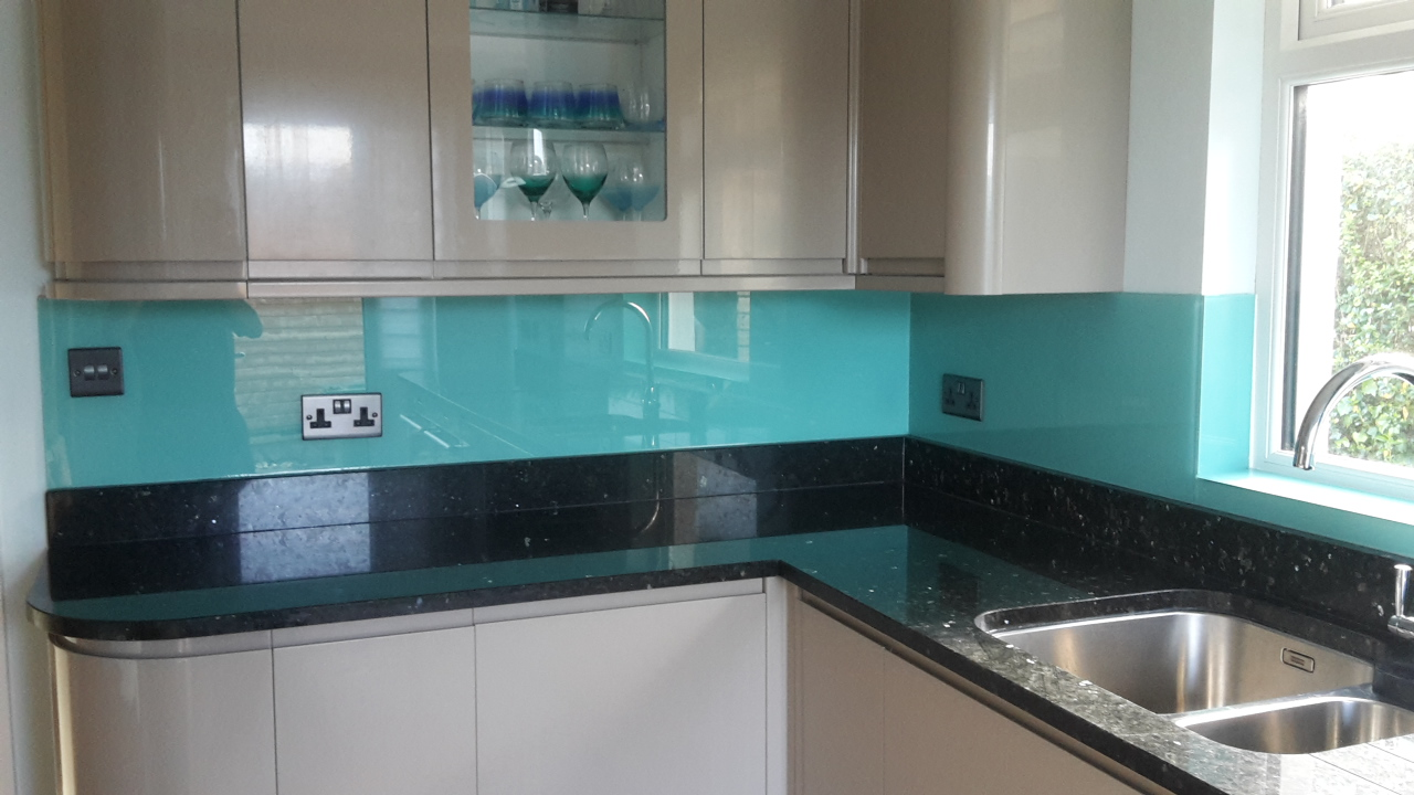 Glass Splashback in kitchen