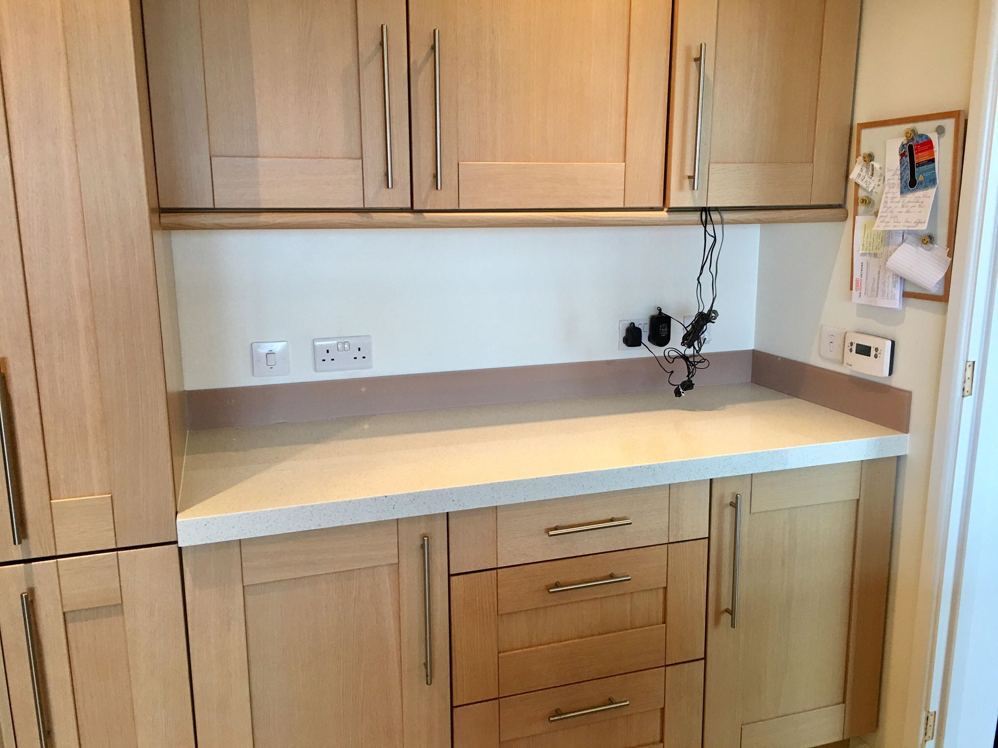 Splashback upstand