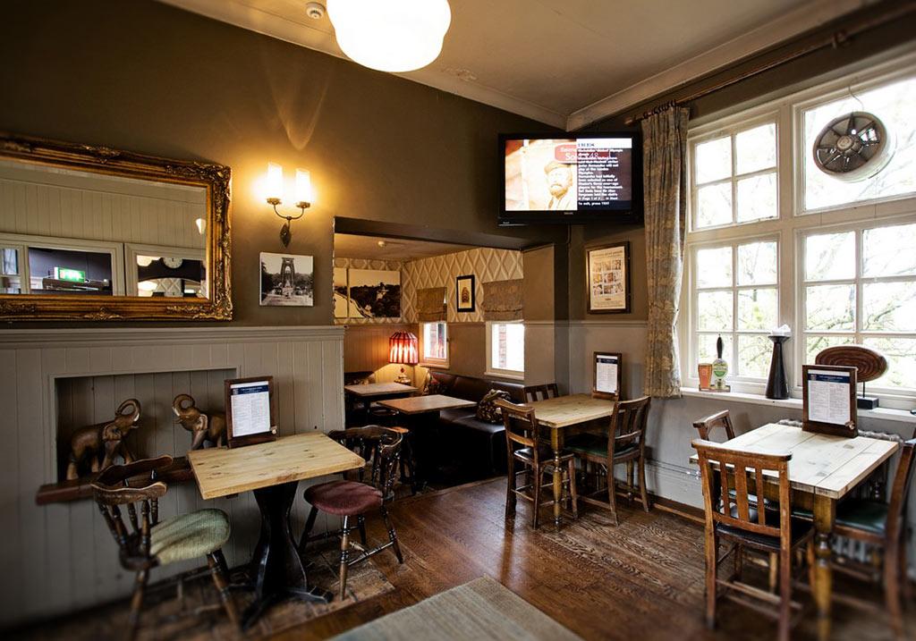 heritage-pub-glazing